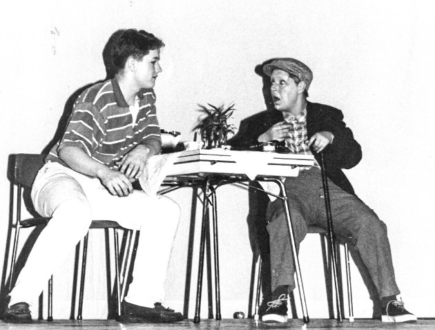 """PREMIERE: """"Elskovsdrikken"""". På scenen Åge Seipajærvi (t.v.) og Tone Henriksen."""