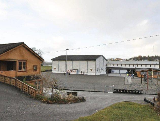Oppgradering: Nytt administrasjonsbygg til ni millionar kroner ved Sunde skule er av det som skal prioriterast snart.