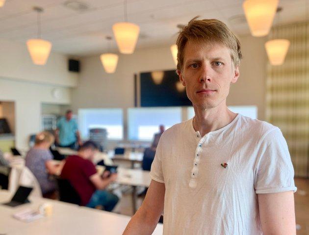 MÅ HEVAST: Statusen til lærarane våre må hevast, konstaterer Stephan Øren frå Raudt.