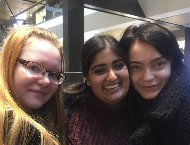 Elise , Raksana og Gina savner kafeer med hjemmelaget, norsk middag.