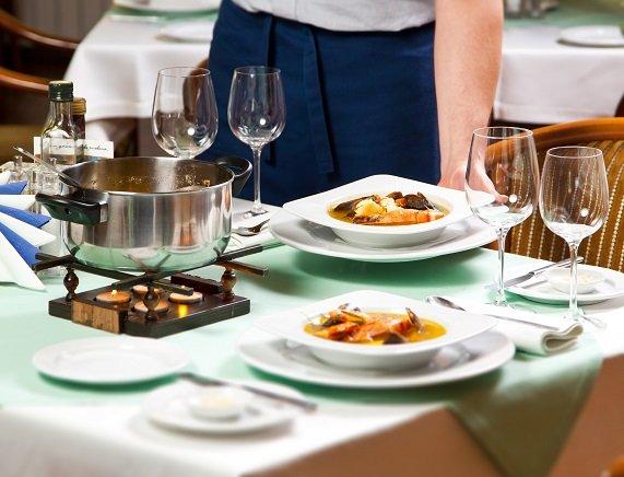 Må punge ut for lekker mat: Pris og kvalitet henger som kjent sammen. Enten du spiser ute eller hjemme, fastslår kronikkforfatter Lise T. Mohr.