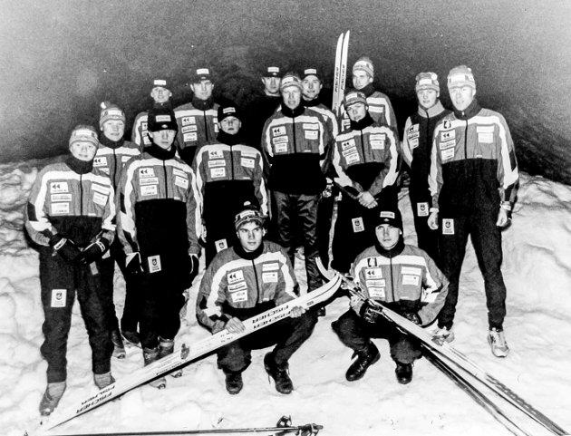 Juniorgruppa til Sannidal Idrettslags skigruppe. De to foran er Per Henning Nilsen og Marius Eikeland.