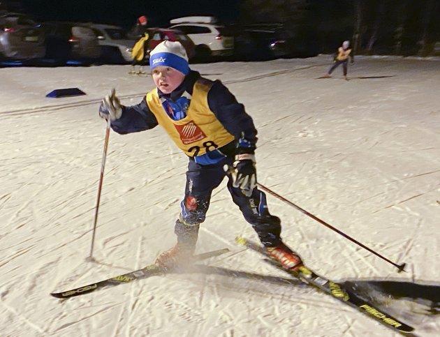 FULL INNSATS:  Theon Larsen Brown, Mosjøen IL ga alt i det første karusellrennet i 2021. Mosjøen IL arrangerte på Sjåmoen med 94 deltakere.