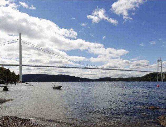 NÅR? Når skal vi få et endelig svar på om det blir bro eller mer tunnel i ny Oslofjord-forbindelse?