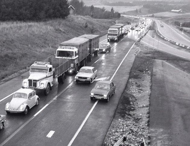 1976: Fra tofelts, til firefelts motorvei ved Grankrysset.FOTO: Morgan Andersen