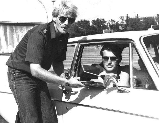 Falken var ute og vervet nye medlemmer i sommersola, juli 1980.
