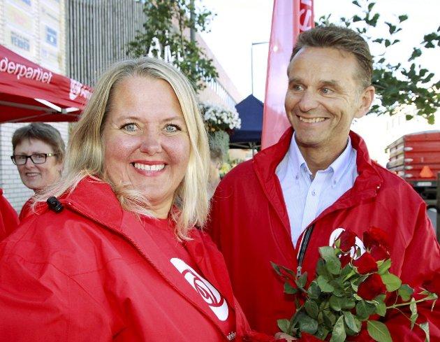 STERKT: Grete Sjøli og Gunnar Halvorsen i Nes Ap gjorde det skarpt i Glåmdalens meningsmåling, men partiet vil trenge støtte fra flere småpartier for å komme til makt igjen. FOTO: TOM R. HÆHRE