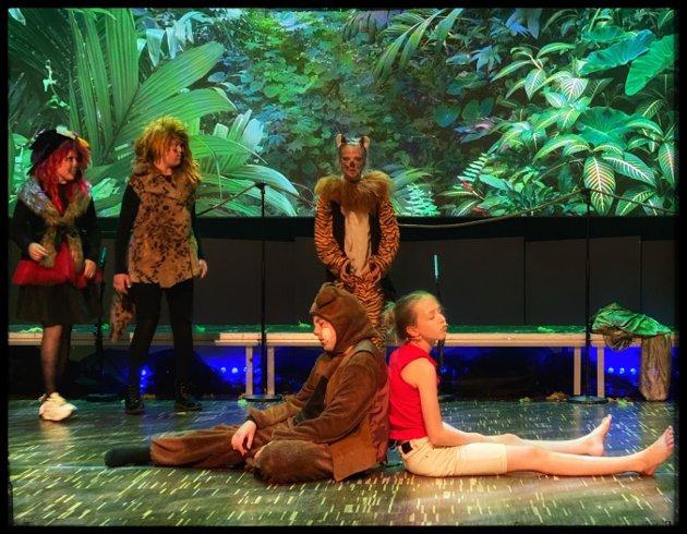 Endelig teater igjen! Veslefrikk Teaterverksted med Jungelboken i Brygga kultursal.