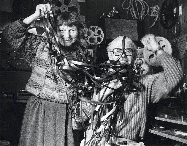 Fra 1960 og i 30 år videre filmet Haakon Sandberg hverdagslivet i Bergen. Liv Sandberg var en viktig medhjelper.