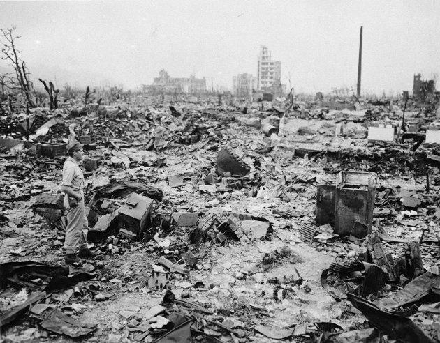 SLUTTEN PÅ KRIGEN: Dette er Hiroshima i september 1945, bare noen få bygninger står igjen. 6. august er det årsdagen for bombinga.