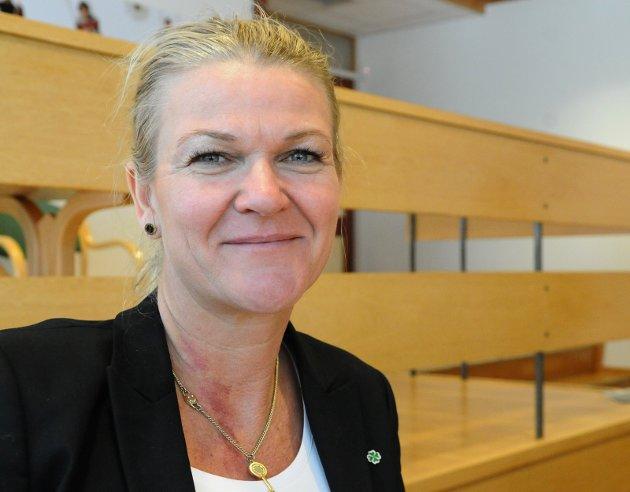 Tove Henøen (SP) er ordfører i Hustadvika kommune.