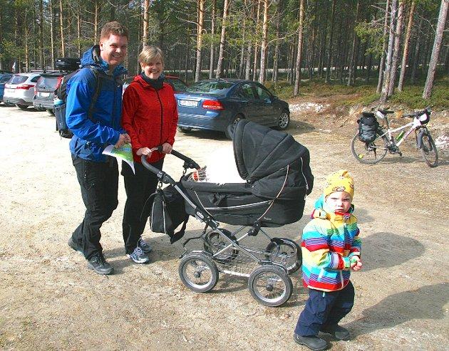 FAMILIETUR: Per Johan, Ingvill med Ingeborg og storebror Per Johan Øren Moslet