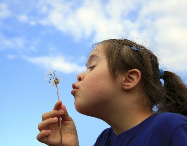 – Jeg kjenner mange engasjerte foreldre som kjemper for sine barn med Downs syndrom og som frykter endringene i bioteknologiloven. En frykt for at barna deres etter hvert ikke vil ha en plass i samfunnet vårt, skriver innleggsforfatteren. Illustrasjonsfoto: Shutterstock