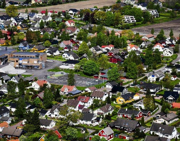 ÅSGÅRDSTRAND: Får endelig sin egen områdeplan. Men det skjer først etter påtrykk fra lokalbefolkningen, påpeker innsenderen. foto: OLE KRISTIANSEN