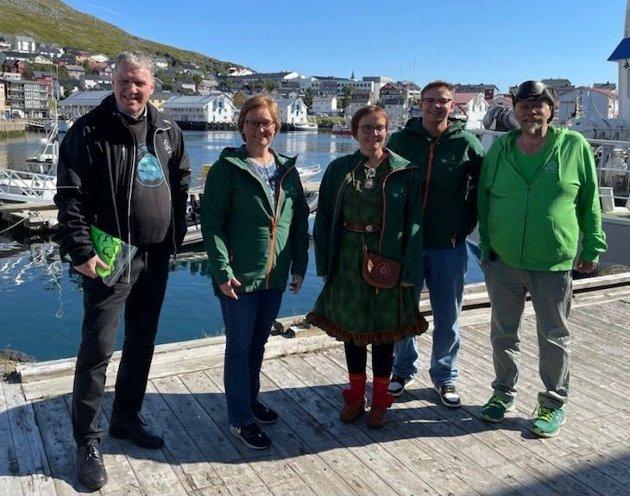 F.v. Finnmark Senterparti sine stortingskandidater Geir Iversen, Heidi Holmgren, Nancy P Anti, Maksim Guttormsen og Kurt Wikan.