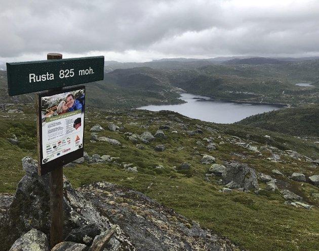 Utsikt frå toppen av Rusta mot Stordalen.
