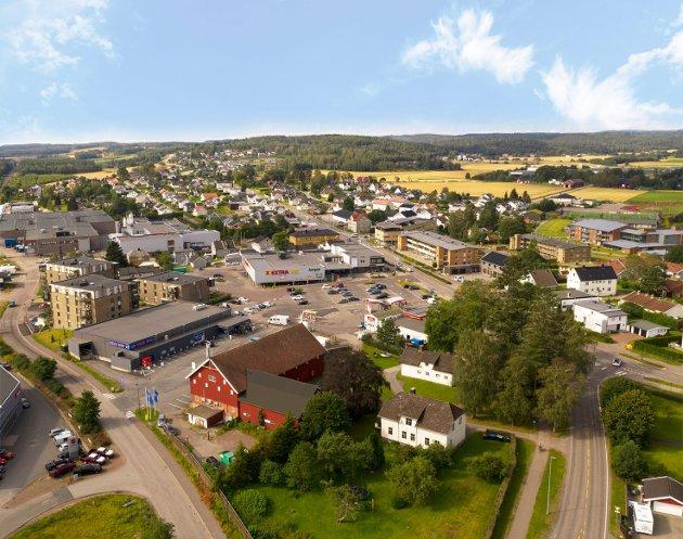 Sem Torg er det sentrale møte- og handelsstedet på Sem. Tønsberg Høyre vil videreutvikle Sem Torg som møteplass, oppholdssted og kollektivknutepunkt. Dette må skje som et samarbeid mellom grunneierne og kommunen, skriver Ole Sverre Lund.
