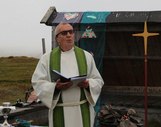 GI PLASS TIL GLEDE: Også i disse vanskelige tider, må livet gi plass til glede og påskemorgener, mener Knut Sand Bakken, som tidligere har vært vikarprest i Varanger.