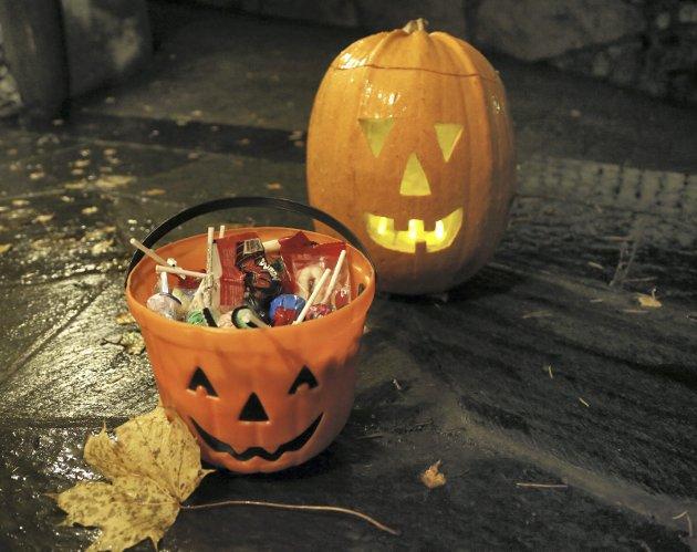 TAR OVERHÅND: Halloween-feiringa er i ferd med å ta helt over for Allhelgensdag.