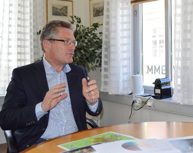 FRITT ORD: Ordfører Thor Edquist (H) mener det er vesentligat Halden kommune ikke bruker opp alle pengene, men har oppsparte fond.