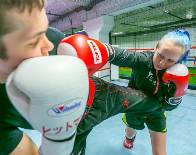 KAMP: Alexandra Divina og Viljar Steinlien Hansen i kamp.