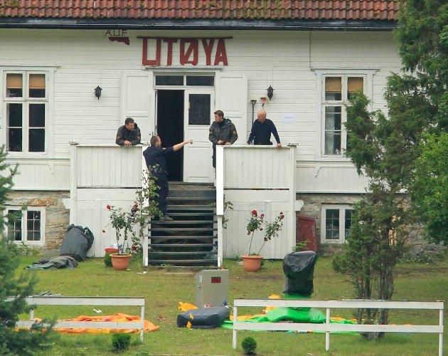 Utøya: Skal vi holde løftet om aldri mer 22. juli må vi snakke ærlig om det som skjedde. Om ideologien bak, skriver Rigmor Aasrud og Rune Støstad.    Foto: Terje Bendiksby  / NTB