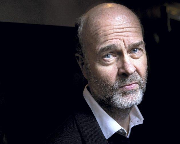 Regissør Erik Poppe er aktuell med to filmer denne våren. Den ene skal dysses litt ned, fortalte filmens produsent tirsdag.