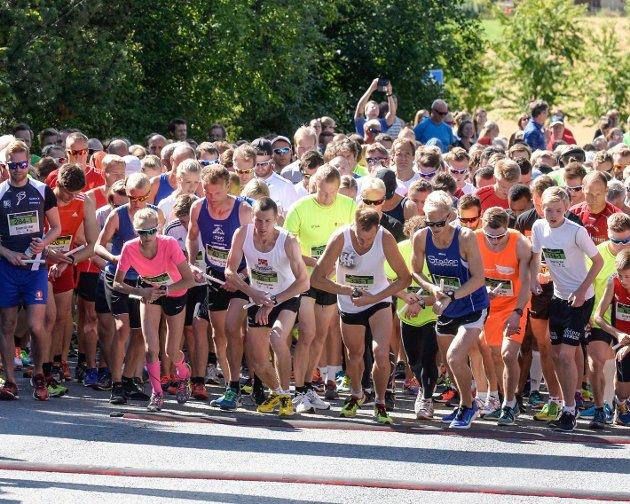 Start på Ringeriksmaraton 2015