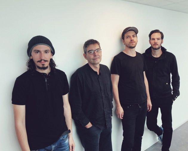 Allesandro Sgobbio, Hilmar Jensson, Øyvind Skarbø og Jo Berger Myhre - Hitra - noe for seg sjøl.