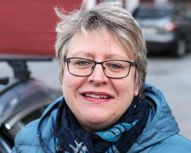 Eli Skogheim (58 år), Florø. – Eg kjem til å vaksinere meg. Ein tenker jo litt på biverknader, men eg gjer det for fellesskapet og dei som er i risikogruppa.