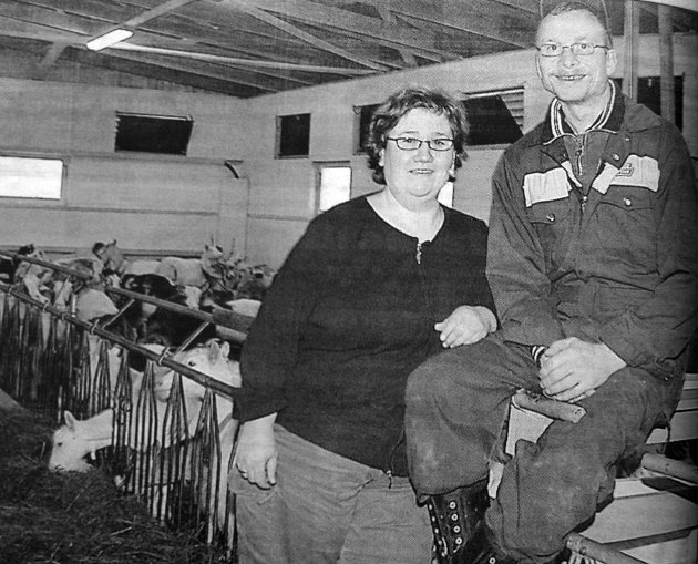 -Geitene trives med en kald og luftig fjøs, mente ekteparet Marita og Henry Edvardsen som hadde investert 1, 8 millioner kroner i en ny fjøs på Reinhaugen.
