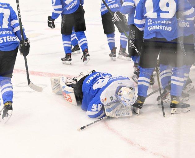 Rykker ned: Norges hockeyforbund velger å holde på 10 lag i Fjordkraft-ligaen, og ikke utvide til 12 lag. Til tross for at man var enig om noe annet. Det er helt riktig av Narvik hockey å anke det som er en urettferdig og overraskende avgjørelse.Foto: Kjell G. Karlsen