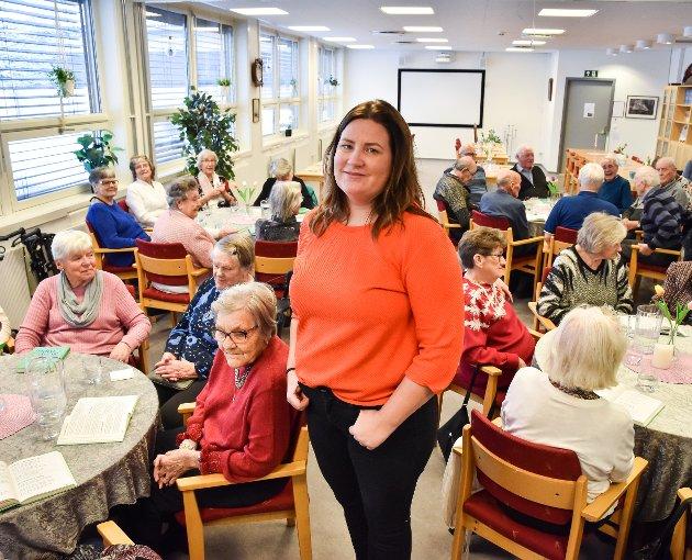 LITE HENSIKTSMESSIG: Mari Opseth, daglig leder ved Møteplassen, mener det er lite hensiktsmessig å flytte virksomheten til Moen sykehjem. Foto: Karoline Almås Sørensen