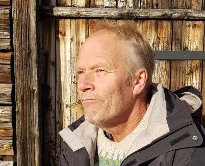 Norge er bedre rustet enn de fleste andre til å ta grep for å bremse klimakrisen. Men da trenger vi politikere som tar ansvar. Og som et absolutt minimum vil slutte å lete etter mer olje, skriver Henrik Domino.