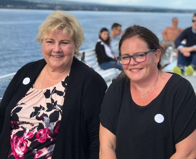 Statsminister Erna Solberg og Kari-Anne Jønnes på tur med Skibladner