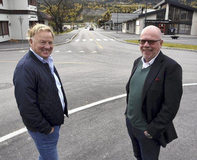 UTVIKLING: Åge Stenumgård (t.v.) og Per Tore Teksum i Fåvang sentrum har synspunkter på regionale planprosesser.Foto: Kristin Veskje