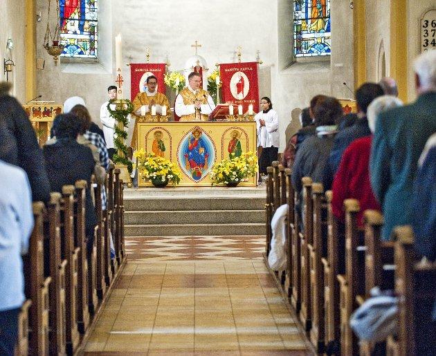 For spaltist Jana Midelfart Hoff er søndagens messe i St. Paul kirke en viktig opplevelse av fellesskap, og noe som løfter henne inn i uken som kommer.