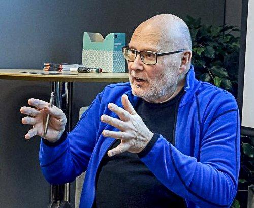 DØD: Forretningsmannen, politikeren og samfunnsdebattanten Svein Hagen har gått bort.