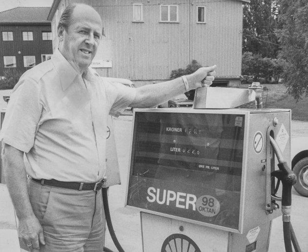 Birger Owesen på Bensinstasjonen på Skjønhaug i Trøgstad 06.05 1984.