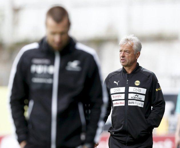 UTEN TILLIT: LSK-trener Arne Erlandsen har ikke lenger den tilliten han trenger blant sine egne på Åråsen. LSK-styret har saken på bordet, og de må snart avgjøre framtiden til hovedtreneren. FOTO: NTB scanpix