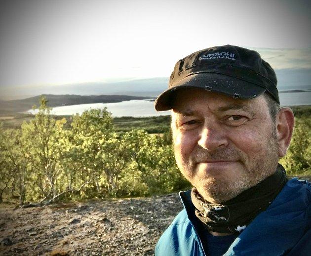Er det flere enn meg som har sett et sameting som ikke har hatt en aktiv rolle i å hindre fraflytting fra nord? Et Sameting som har motarbeidet initiativ som sannsynligvis ville gitt mange nye sårt tiltrengte arbeidsplasser? Kanskje noen også har registrert stillheten fra Sametinget om saker som ikke omhandler reindriftsnæringen?skriver Nordkalottfolkets Ulf Tore Johansen.