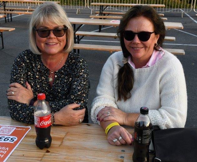 Marianne Drag og Ann Kristin Mathisen var klare for konsert lørdag.