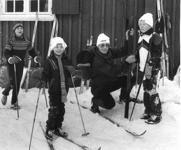 Signe, Yngve og Tomas klare for skitur.