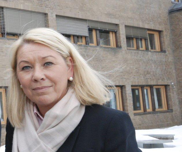 Må snu: Foreløpig er det lite som har tydet på at kommunalminister Monica Mæland vil lytte til Remi Strand (Ap) og de andre nei-stemmene i Finnmark. Men nå som hele 87 prosent av de stemmeberettigede har sagt nei, bør hun komme på andre tanker, mener redaktør Anniken Renslo Sandvik.
