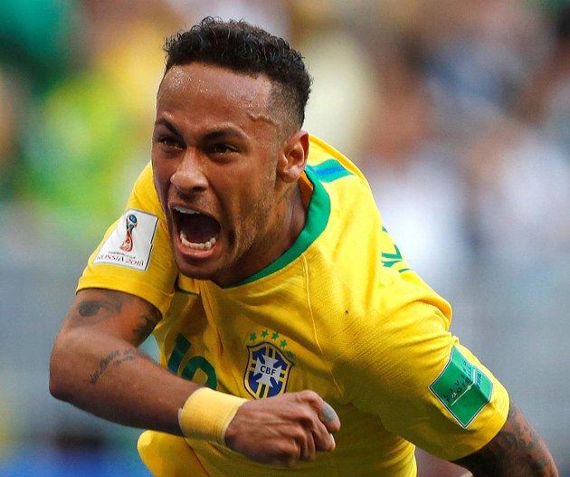 Neymar har fått mye pepper for filming i årets fotball-VM, men det finnes langt verre juksemakere enn ham i VM-historien. (Foto: NTB scanpix)