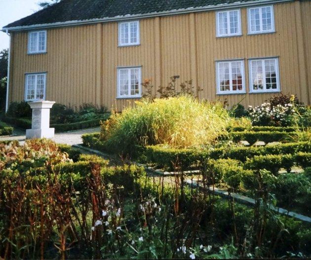 Isegranhuset: Gjerne også kalt Empirehuset, ble bygget i 1660-årene, men er endret siden. (Foto: Inger-Torill Solberg)