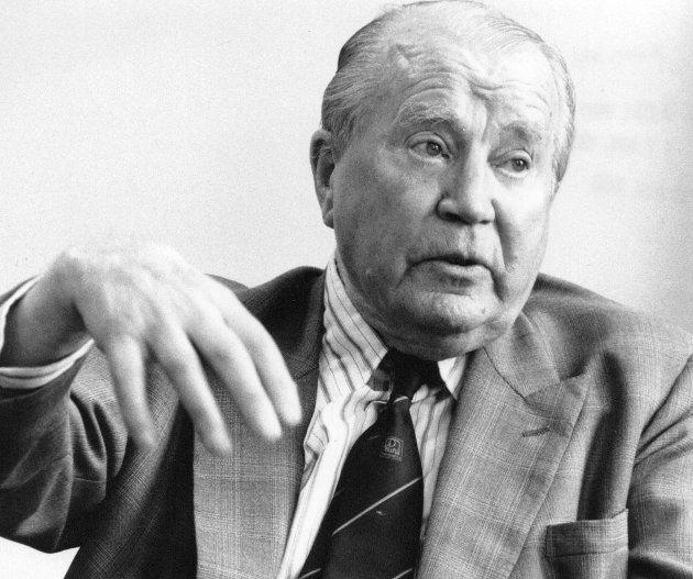 Ble renvasket: Dommen for økonomisk landssvik mot Harald Haraldssøn ble opphevet i 1992, og han fikk deltakermedaljen kort tid før han gikk bort samme år. Foto: Arild Brunvand