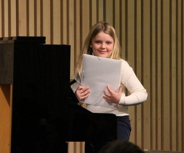 "Får applaus: Marie Ruggli spilte en flott versjon av ""Bells are ringing"" på piano."