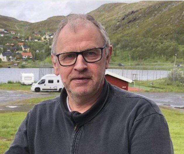 Kjære dere i Finnmark Dagblad. Hva er det dere holder på med? spør Arve Solum.
