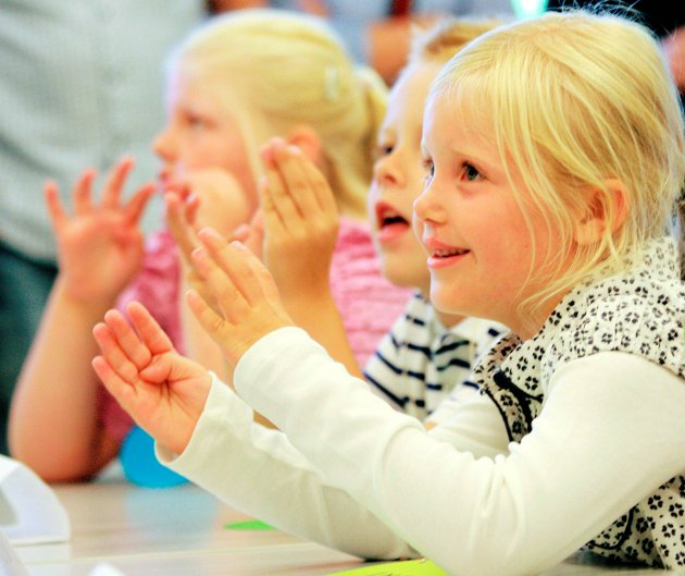 PÅ SKOLEN: Ingrid Stenstrøm sitter på skolebenken for første gang i 2010.